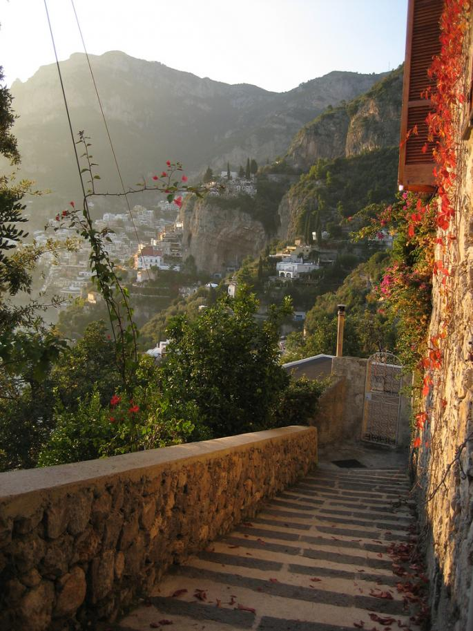 Walking down from Nocelle to Arienzo via the ancient footpath, Amalfi Coast, Italy (by johnny_clash55)