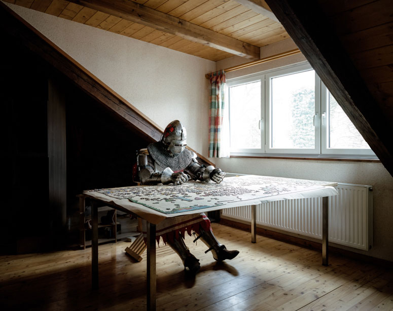 portraits-of-cosplayers-at-home-by-klaus-pichler-13