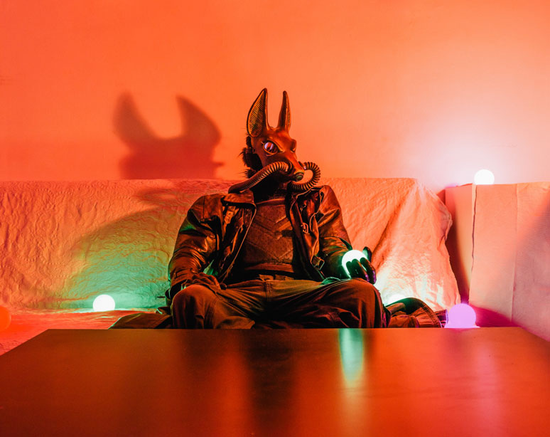 portraits-of-cosplayers-at-home-by-klaus-pichler-7