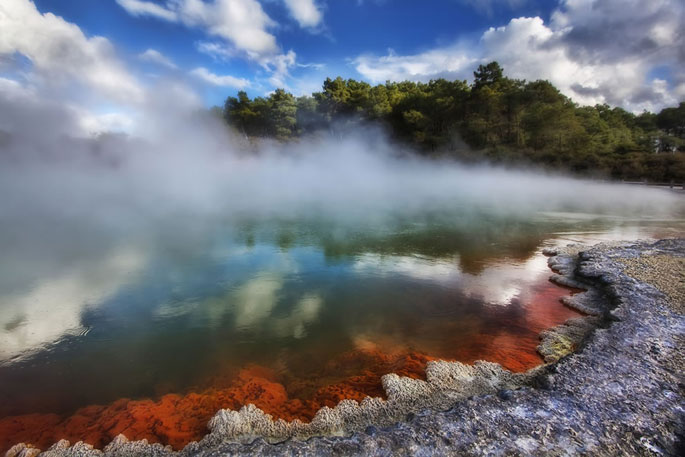 New-Zealand-Waiotapu-Champagne-Pool
