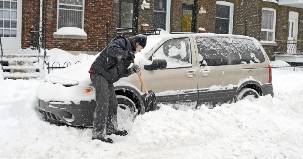 Mom And Child Die In The Car While Dad Shovels Snow Outside. The Police Are Now Warning Everyone About This Silent Killer.